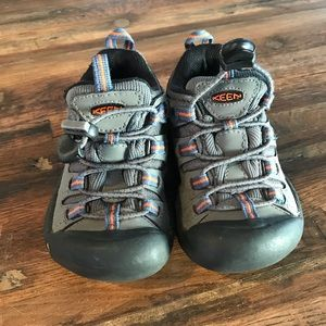 Toddler Keen shoes size 10